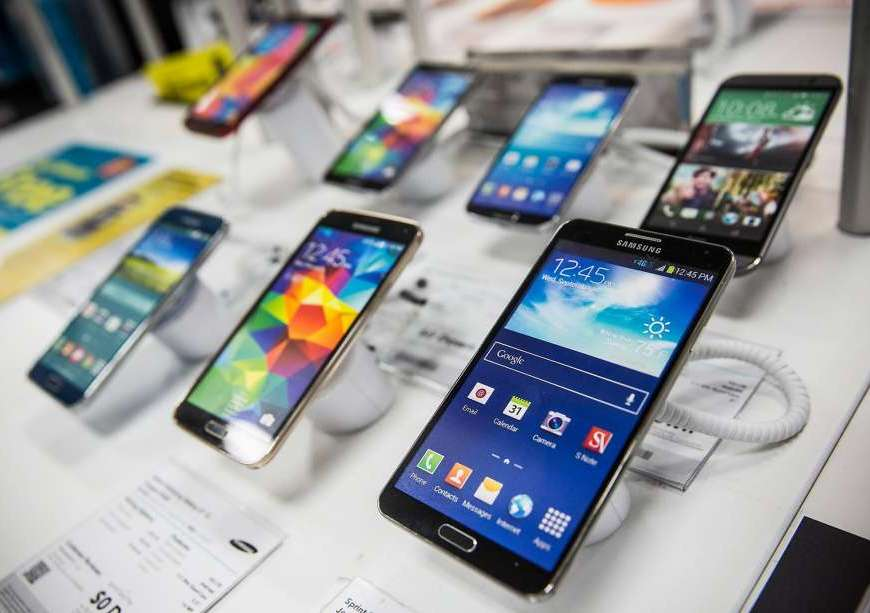 Helpful Tips in Buying an Apple or Samsung Smartphone