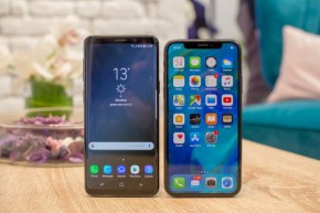 Comparison between the iPhoneX and the Samsung GalaxyS9