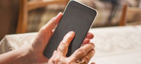 The 10 Best Phones for Seniors