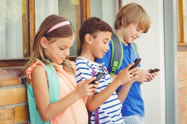 Smart-phones-Are-like-crack-Cocaine-for-kids-15437-9cca98400d-1515699563
