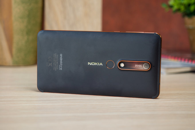 Unlocked-Nokia-6.1-now-comes-with-a-free-photovideo-kit-in-the-US